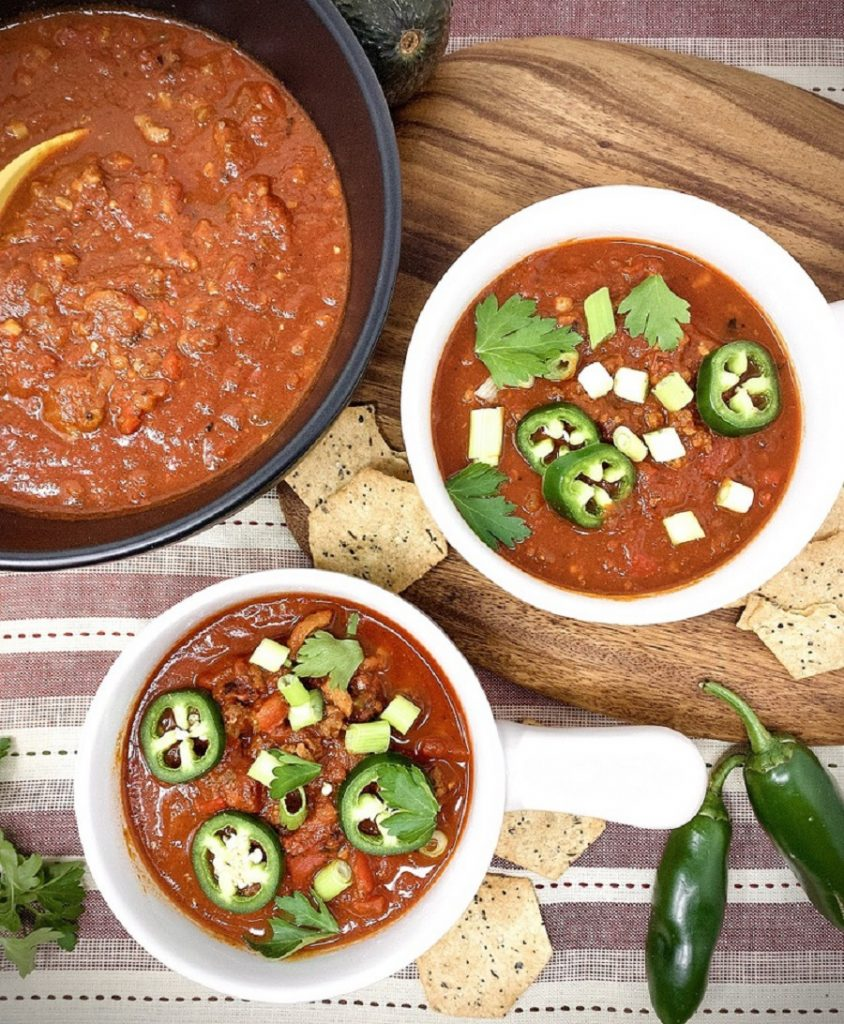 There are many ways to make chili but the best might be the beanless Instant Pot ketogenic chili that is perfect for any low carb diet. Perfect Keto Chili Recipe | How to Make Chili in an Instant Pot | How to Make Chili Low Carb | Instant Pot Keto Beef Chili | Instant Pot Keto Beanless Chili