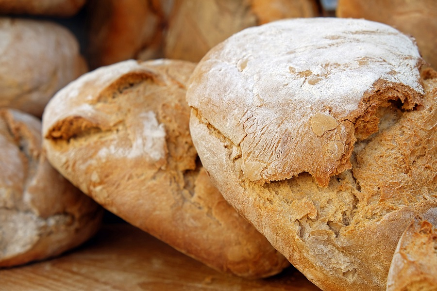 Instant Pot bread recipes make cooking bread at home and enjoying freshly made bread so much easier to do on a weekly basis. White Bread Recipes | Simple Quick Bread Recipe | French Bread Recipe | Artisan Bread Recipe | Italian Bread Recipes | Different Types of Bread Recipes