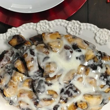 This slow cooker monkey bread recipe is perfect as a crockpot dessert or even a crockpot breakfast. Plus, it is an easy recipe you can make with children, too! Crockpot Monkey Bread Frozen Bread Dough   Slow Cooker Pull Apart Bread   Cinnamon Roll Monkey Bread   Monkey Bread Muffins