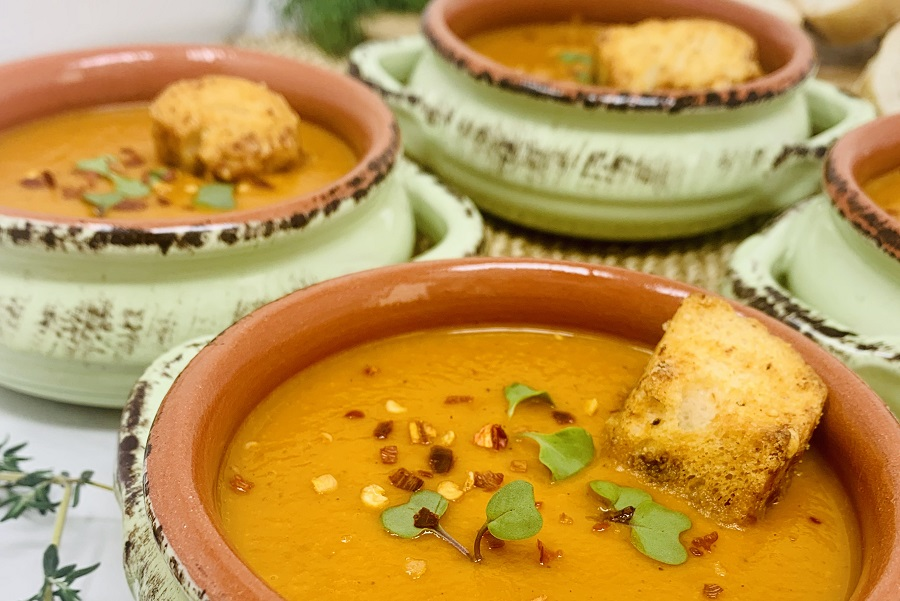Instant Pot Roasted Red Pepper Soup Close Up of Four Bowls of Soup