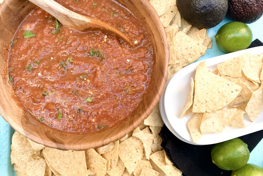 Homemade Slow Cooker Salsa Salsa and Chips