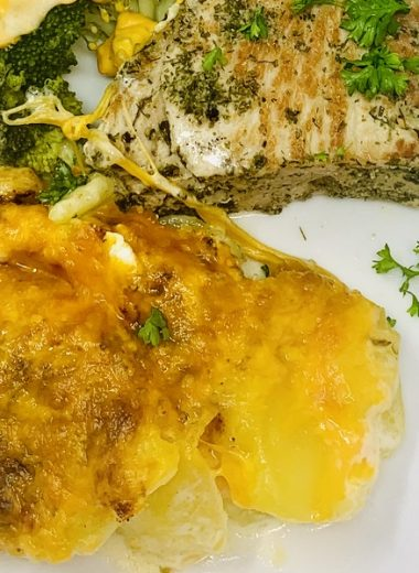 Instant Pot Sour Cream Scalloped Potatoes Close Up of Scalloped Potatoes with Chicken