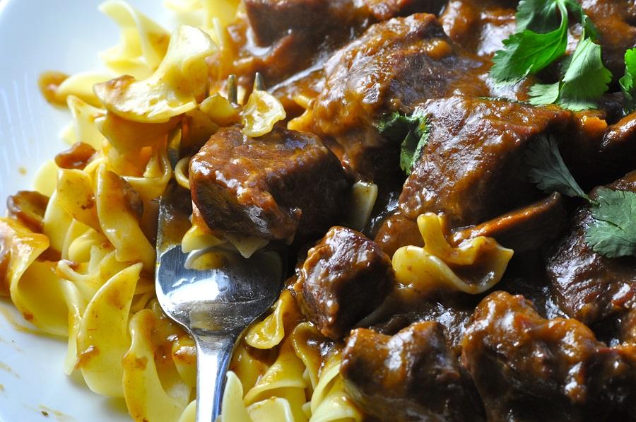 Easy Crock Pot Beef Stroganoff Recipes Close Up of Beef Stroganoff