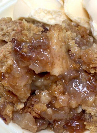 Crockpot Apple Crisp Close Up of Apple Crisp