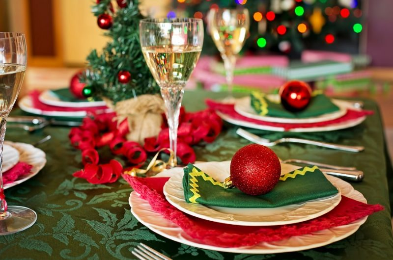 Instant Pot Holiday Side Dishes Holiday Table Settings with Red and Green Colors