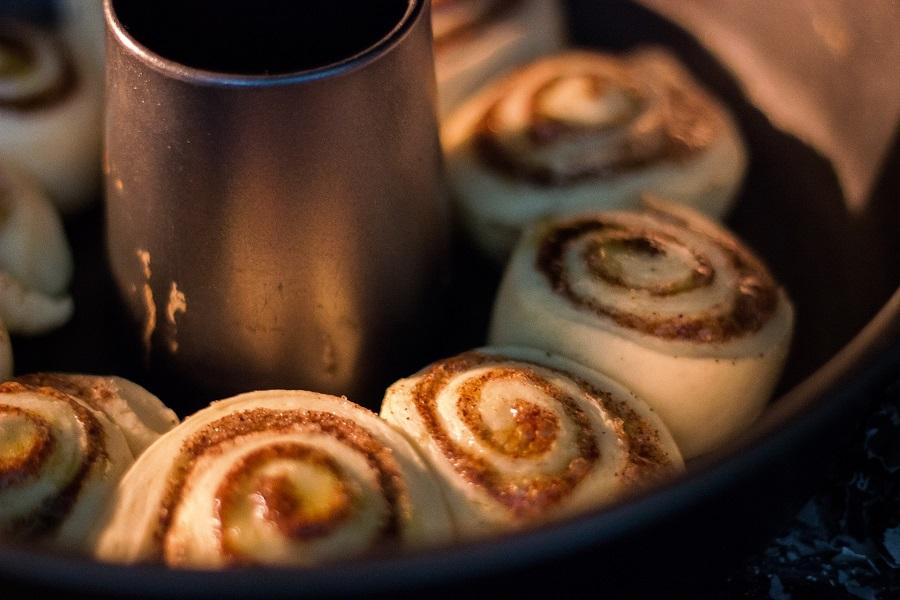 Crockpot Monkey Bread Recipes for Breakfast Cinnamon Roll Dough in a Baking Dish