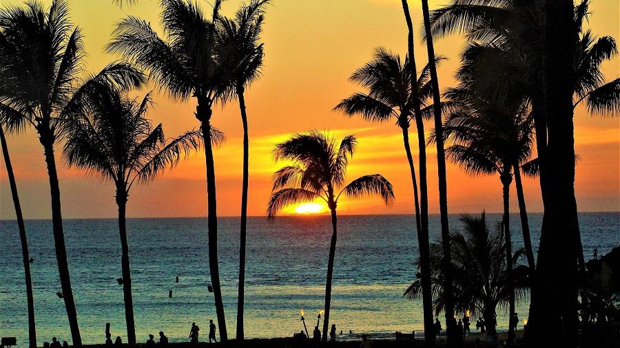 Crockpot Hawaiian BBQ Recipes a Maui Sunset Seen Through Palm Trees Over the Ocean