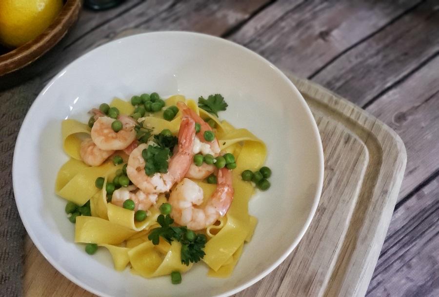 Crockpot Shrimp Recipes Overhead View of Shrimp Scampi in a Bowl