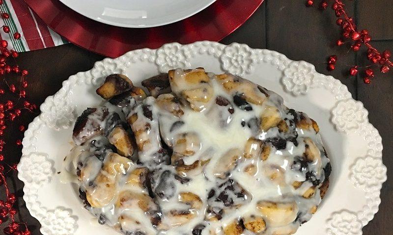 Crockpot Breakfast Recipes Overhead View of Monkey Bread on a Platter