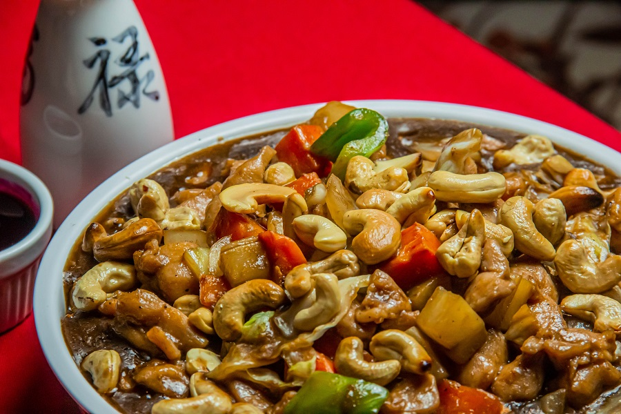Crockpot Freezer Meals for Meal Planning Close Up of a Plate of Cashew Chicken
