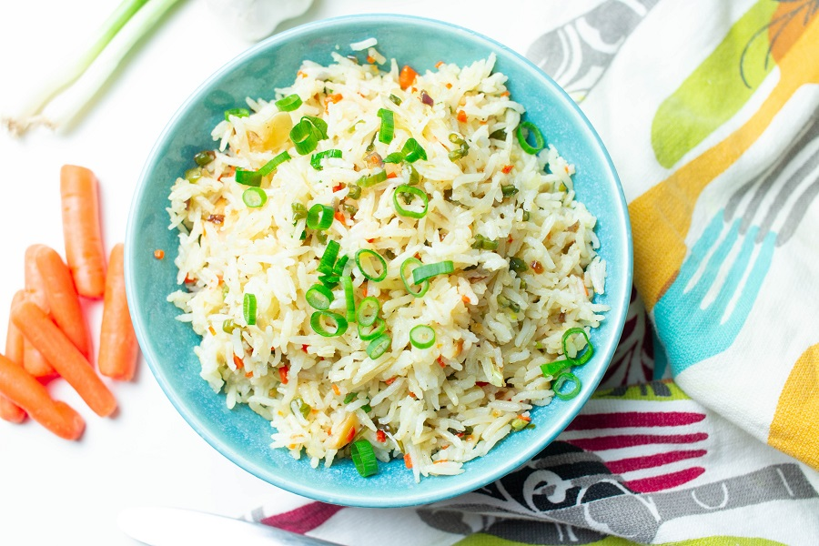 Instant Pot Tips for Cooking Rice Overhead View of Fried Rice in a Blue Bowl